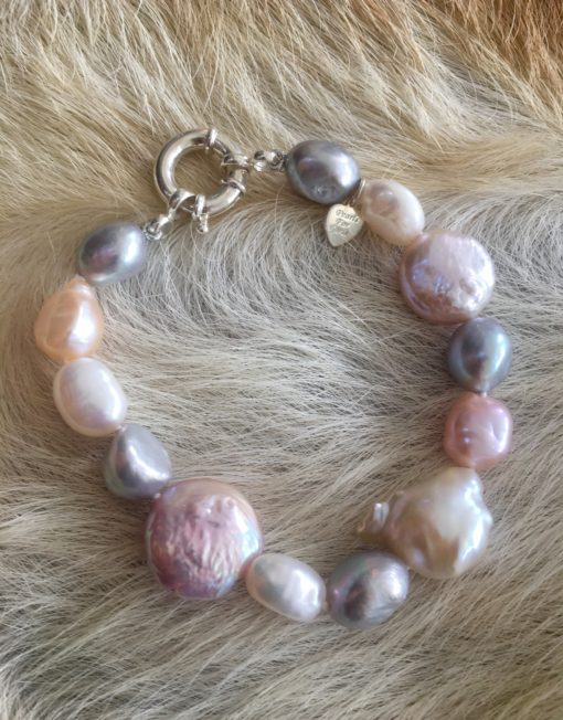 Multi tone Freshwater Pearl bracelet