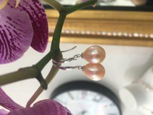 Peach Freshwater Pearl earring