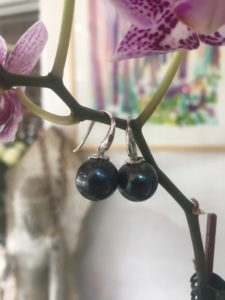 Black Pearl button drop earring