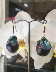 Large black freshwater baroque Earrings