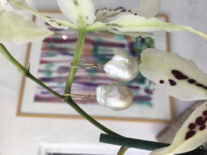 Baroque Pearl earrings 9ct