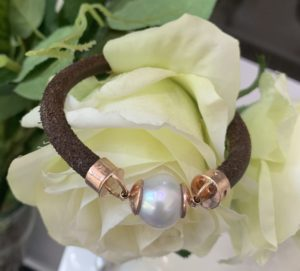 Leather Rose Gold south sea Pearl bracelet